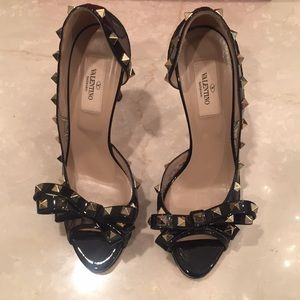 AUTHENTIC VALENTINO ROCK STUD LACE